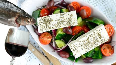Välimeren ruokavalio perustuu kasviöljyyn, kasviksiin, viljaan ja kohtuudella käytettyihin meijerituotteisiin ja kalaan.