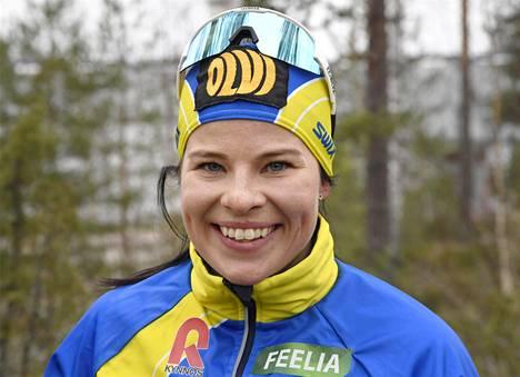 –Käväisen Norjasta Suomessa ja menen Linnaan. Pukukin on sitä varten hankittu, Krista Pärmäkoski kertoi IS:lle viikko sitten.