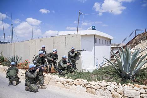 Rakennetun alueen taisteluharjoitus. Treenit kuuluvat rauhanturvaajien arkeen muiden tehtävien ohella.