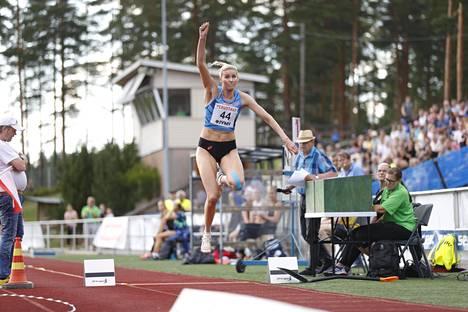 Kristiina Mäkelän ennätys 14,31 vuodelta 2018 on Suomen kaikkien aikojen toiseksi paras tulos.