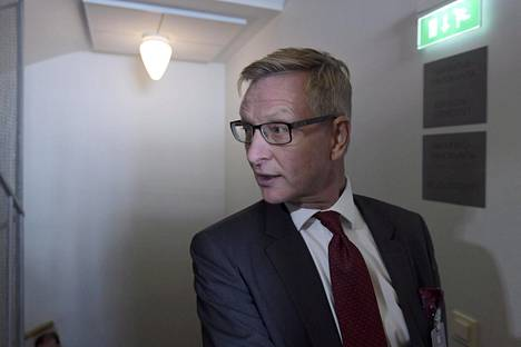 –Olen saanut ilmoituksen, että en ole siinä yhdessä työtyhmässä jäsenenä, vaikka alun perin olin, Eero Heliövaara kertoo.