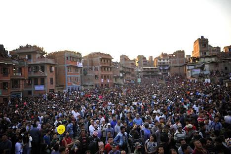 Tuhannet nepalilaiset kokoontuivat viime viikonloppuna Bhaktapuriin Bisket Jatra -juhlaan. Uusi alue rakennetaan Bhaktapurin pohjoispuolelle.