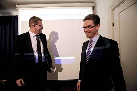 Pääministeri Matti Vanhanen (kesk) ja valtiovarainministeri Jyrki Katainen (kok) yrittivät eläkeiän nostoa 2009, huonolla menestyksellä.