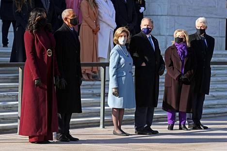 Obamat (vas.), Bushit ja Clintonit.