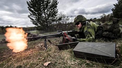 Haningen amfibiorykmentti esitteli toimintaansa Enköpingissä huhtikuussa 2019. Toinen rykmentti perustetaan lähivuosina Göteborgin suojaksi.