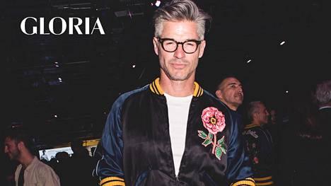 Miesmalli Eric Rutherford on ottanut ajankohtaisen kukkakuvion osaksi tyyliään.
