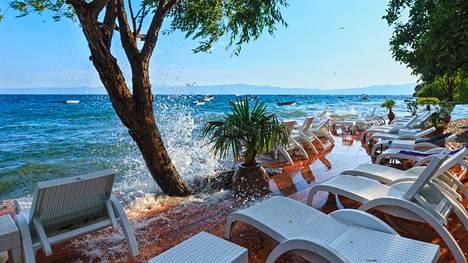 Näin upeita maisemia löytyy Makedoniasta, Ohrid-järven rannalta.