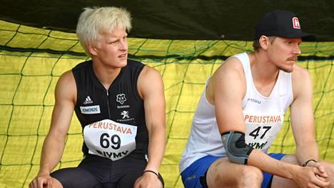 Topias Laine (kuvassa vasemmalla) ja Lassi Etelätalo Orimattilan Tähtien kisoissa 21. heinäkuuta.