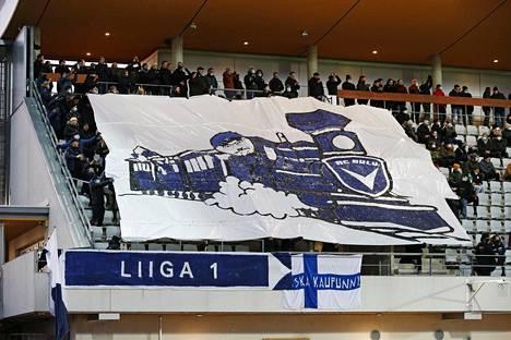 AC Oulun kannattajilla oli kauden päätteeksi aihetta juhlaan.