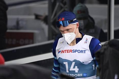 Iivo Niskasen suksien voitelu epäonnistui sunnuntaina, ja miehen himoitsema 50 kilometrin MM-kulta karkasi.