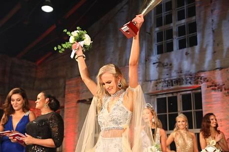 Anni Harjunpää tuuletti voittoaan.