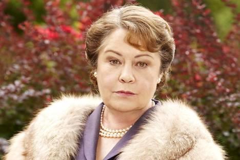 Elizabeth Bligh haluaa suojella perheensä mainetta ja on tottunut saamaan tahtonsa läpi.