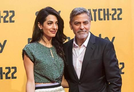 George Clooney kuvattuna vaimonsa Amal Clooneyn kanssa 2019.