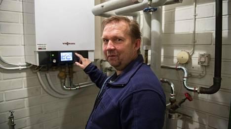 –Mielenkiinnolla odotan, että miten se (ilma-vesilämpöpumppu) näkyy talven sähkölaskussa, Marko Tolvanen sanoo.