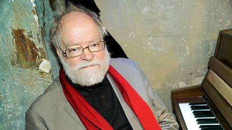 Muusikko-säveltäjä Kaj Chydenius on yksi Mallusjärven ympäriajon puuhamiehistä.