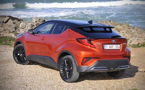 Toyota on C-HR:n avulla onnistunut houkuttelemaan hybridien pariin uutta asiakaskuntaa, sillä mallin ostajista on toistaiseksi ollut peräti 68 prosenttia Toyotalle uusia. Muotoilu on tässä tärkeässä roolissa.