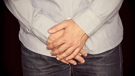 Peniksen ulkonäkö pohdituttaa monia Peyronien tautiin sairastuneita miehiä.