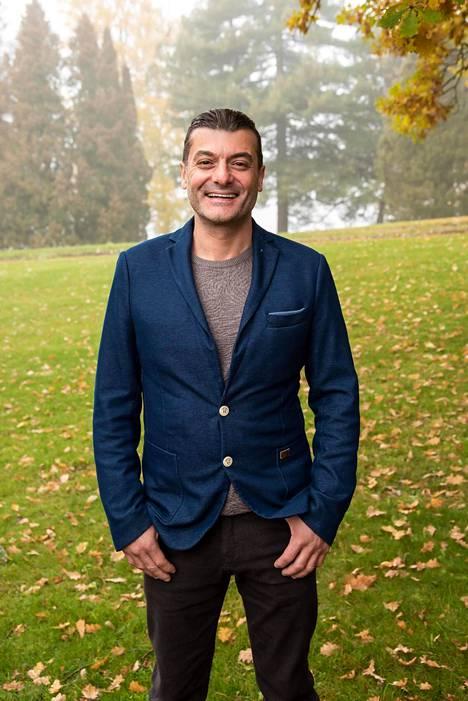 Mustafa on yksi neljästä ulkomaalaisesta miehestä, jotka etsivät Suomesta puolisoa Maajussille morsian maailmalla -ohjelmassa.