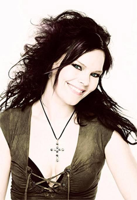 Anette Olzon, 35, on Nightwishin uusi solisti.