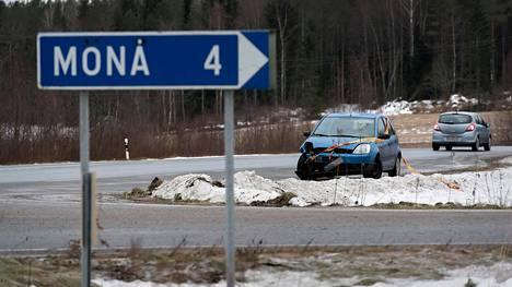 Onnettomuus tapahtui valtatie 8:lla Monåntien risteyksen kohdalla Uudessakaarlepyyssä.