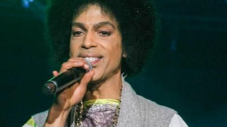 Prince löydettiin kuolleena kotoaan torstaina.