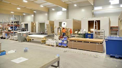 Lehto Groupin Oulaisten tehtaan tuotantotiloja.