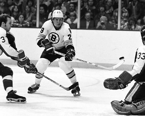 Bostonissa Hagman pelasi kauden 1976–1977 ja osan kaudesta 1977–1978. Hän kävi Pohjois-Amerikassa myös WHA-liigan Quebec Nordiquesissa ja palasi sitten kotimaahan.