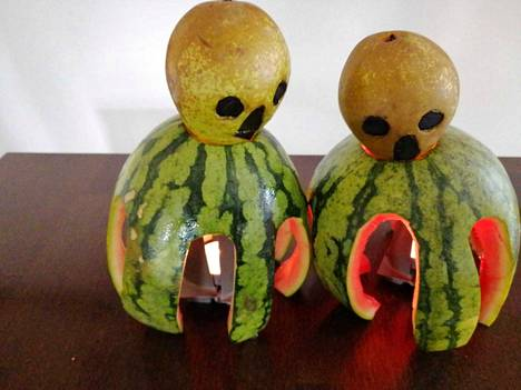 Timon Halloween-koristeita.