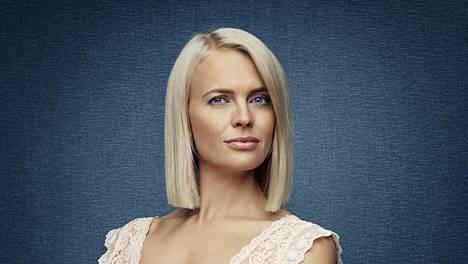 Josephine Bornebusch esittää hienostoalue Saltsjöbanenin täydellistä naista Mikaelaa suosikkisarjassa.