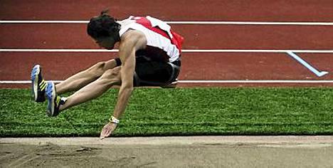 Tommi Evilän venytti uransa seitsemänteen pituuden SM-kultaan.