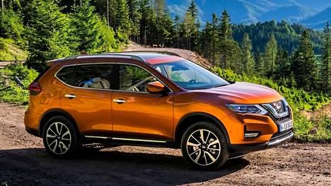 Tuoreutetuksessa käyneen Nissan X-Trailin muutosten tunnistamiseen tarvitaan todellinen asiantuntija. Hinnat ovat vielä auki, mutta perinteisesti X-Trail on ollut noin viisi tuhatta euroa vastaavaa Qashqaita kalliimpi. Mikäli hintaero jatkossa kutistuu, on mahdollisuus myynnin kasvuun suuri.