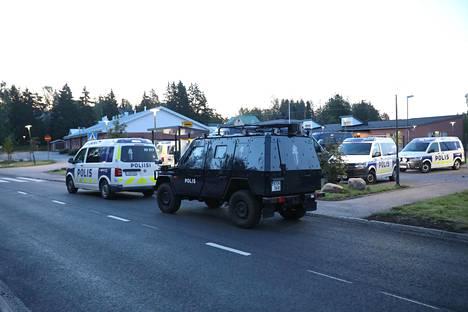Porvoossa nähtiin lauantain ja sunnuntain välisenä yönä suuri poliisioperaatio.