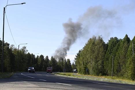 Palopaikka eristettiin 200 metrin säteellä.