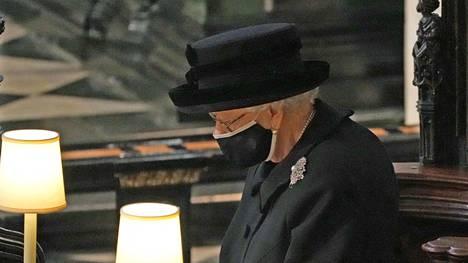 Kuningatar Elisabet, 95, saatteli puolisonsa prinssi Philipin, 99, viimeiselle matkalleen lauantaina.