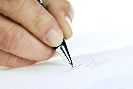 Asiantuntija pitää testamentin tekemistä vain järkevänä varojen hoitamisena. Samalla voi yrittää poistaa turhaa surua ja murhetta jälkeensä jääviltä.