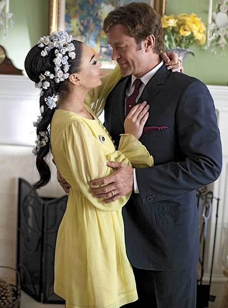 Elizabeth Taylorin ex-miestä Richard Burtonia esittää Grant Bowler.