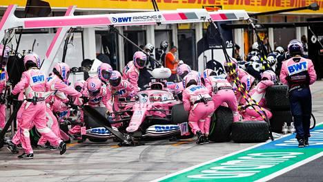 """Renault'n tekemä protesti Racing Pointin """"vaaleanpunaisista mersuista"""" on yhä Kansainvälisen autoliiton käsittelyssä."""