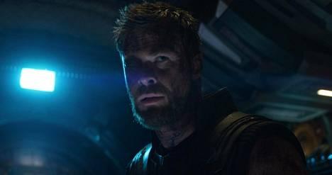 Thorin edellisen oman elokuvansa Thor: Ragnarökin kepeys ja satiirisuus vaihtuu Avengers: Infinity War -seikkailussa vakavampiin tunnelmiin.