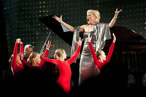 59-vuotias Karita Mattila on tehnyt pitkän ja kansainvälisen uran sopraanona.