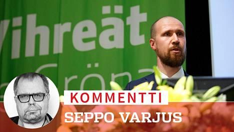 Touko Aalto on päättänyt väistyä vihreiden puheenjohtajan paikalta. Aalto jäi sairauslomalle 13. syyskuuta uupumuksesta johtuvien syiden vuoksi.