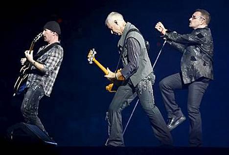 Bono jumittui yhteen mikkiin Milanossa ja Dublinissa.