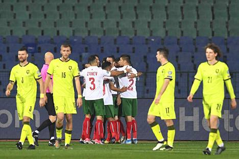 Tshekin pelaajat päivittelivät hämmentyneinä, kun heikko Bulgaria paineli voittoon.