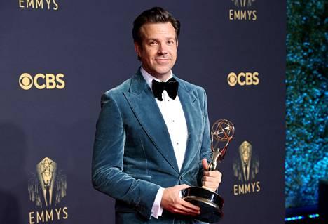 Jason Sudeikis sai komediasarjan miespääosa-Emmyn.