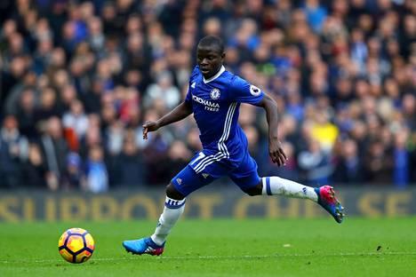 Viime kaudella Leicesterissä mestaruuden voittanut N'Golo Kante on toisen kerran peräkkäin Urheilusanomien valinta kauden parhaaksi pelaajaksi.