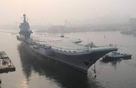 Shandong-lentotukialus kuvattuna keskeneräisenä toukokuussa 2018.