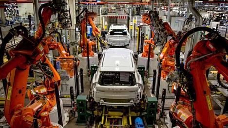 Volvo haluaa varmistaa ensimmäisenä autonvalmistajana itselleen oikeudet ruotsalaisen teräsyhtiö SSAB:n teräkseen, joka on valmistettu vedyllä pelkistetystä raudasta Ruotsin Luulajassa.