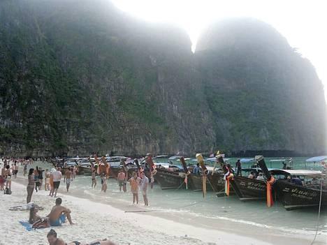 Kymmenen vuotta Asko Leppilammen ensimmäisen Phi Phin matkan jälkeen rannalla oli tapahtunut suuri muutos.