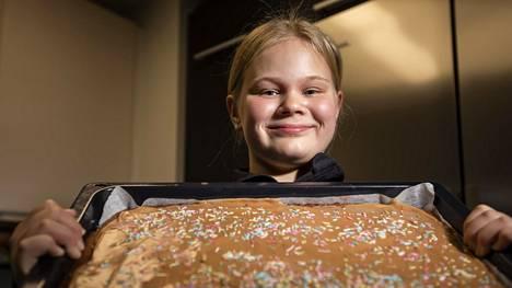 Elsa on leiponut mokkapaloja niin monta kertaa, että ne onnistuvat aina.