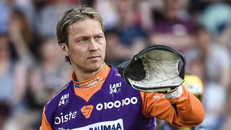 """Lukkarilegenda Toni Kohosen valinta Itä–Länteen aiheutti myrskyn – olisiko itse valinnut itseään? """"Samoja paskapuheita"""""""