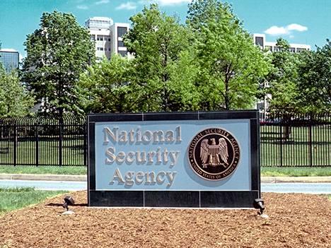 NSA:n massaurkinta vie luottamuksen ja uhkaa internetjättien liiketoimintaa.
